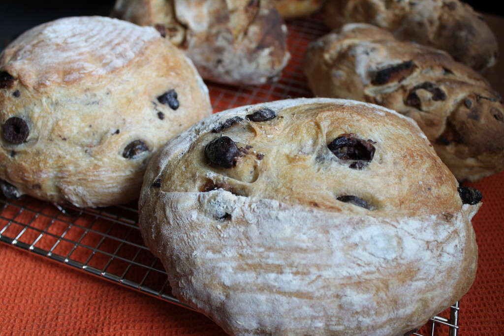 Olive Bread: a Delight for the Tastebuds!